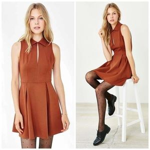 Cooperative Dresses - Cooperative Pointe Collared Keyhole Dress